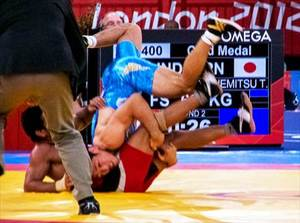 Olympic_Freestyle_Wrestling_(66_kg_-_Gold_Medal_Match_2)[1]_R.jpg